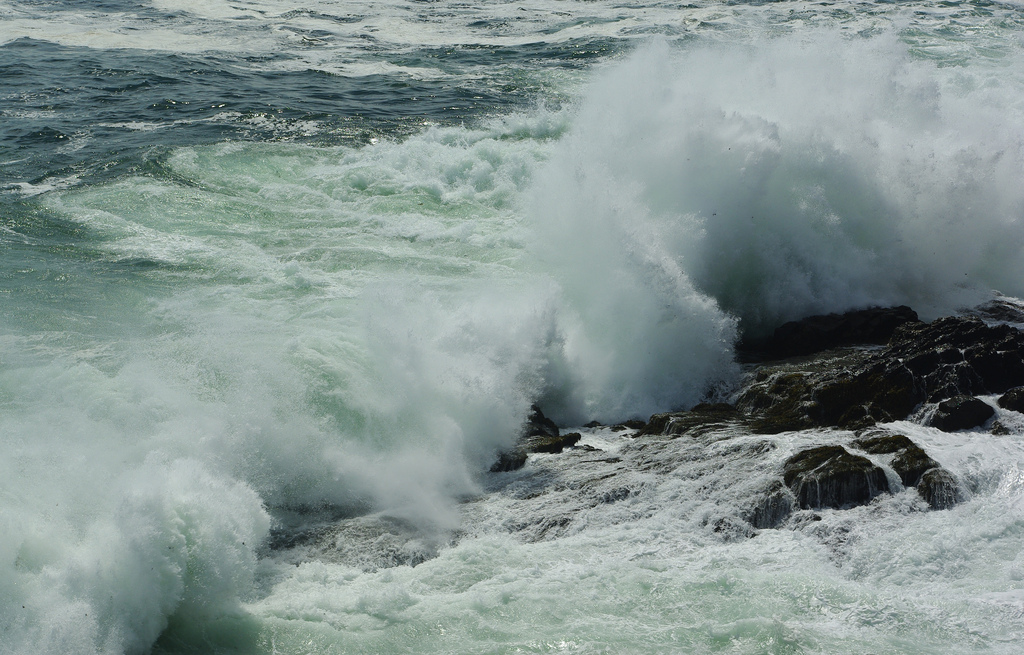 ocean waves photo